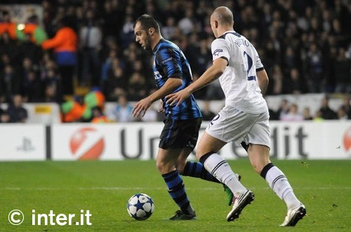 Goran Pandev vs Alan Hutton