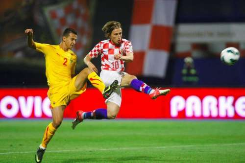 Daniel Georgievski in duel with Luka Modrić; photo: index.hr